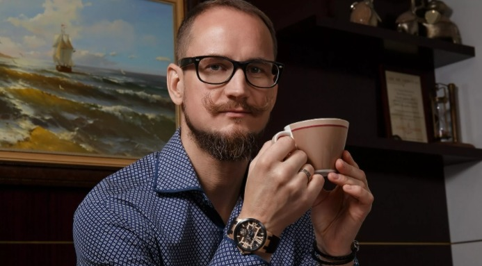 Костянтин Старцев — дизайнер-графік
